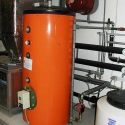 installation d'un système de production d'eau chaude industrielle