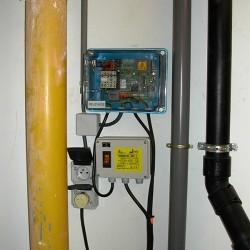 Système de dégraissage de l'eau dans une cuisine industrielle - tableau de commande