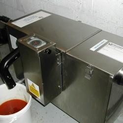 Système de dégraissage de l'eau dans une cuisine industrielle - dégraisseur